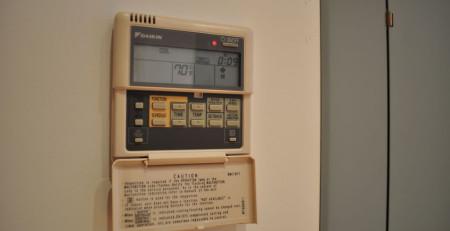 Remote máy lạnh báo lỗi